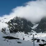 Wyci¹g krzese³kowy do stacji narciarskiej.